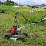 有機野菜作り 草刈り機